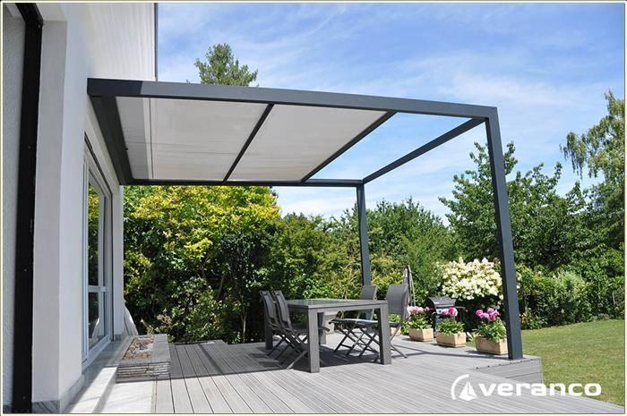 Faire Poser Un Abri De Terrasse Avec Protection Solaire Près